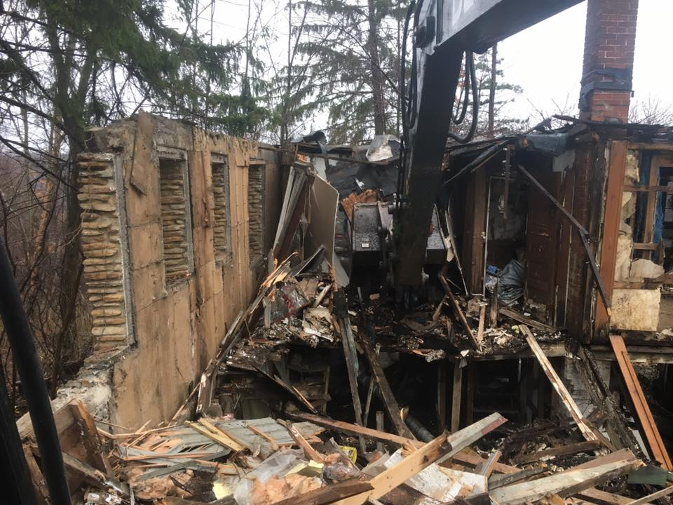 Demolition contractor Mentor Ohio tear down house