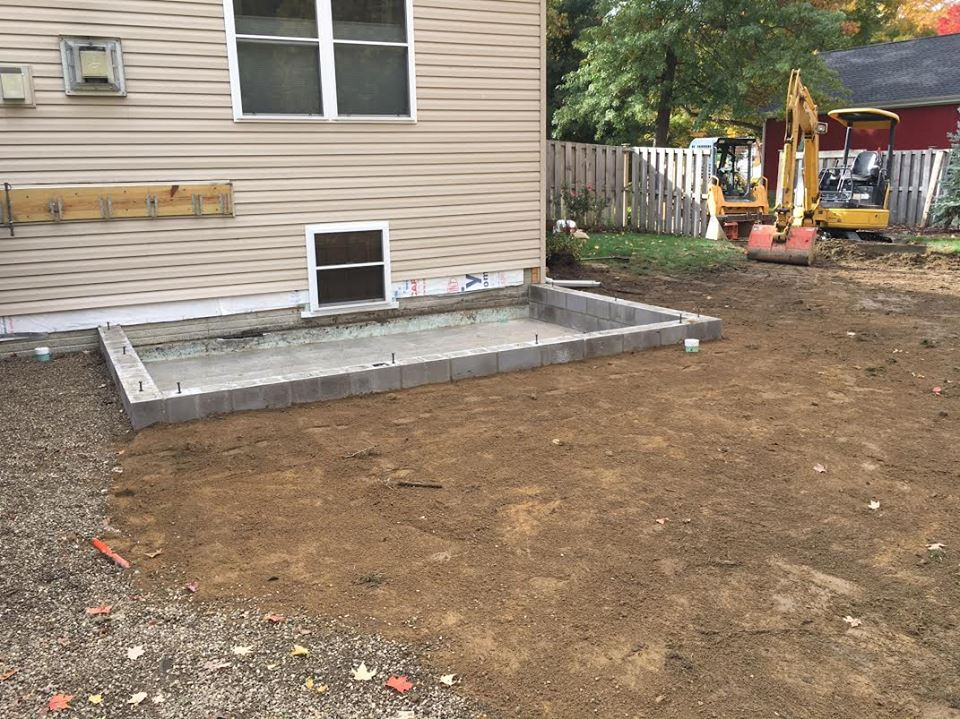 Crawl space foundation for a new addition.
