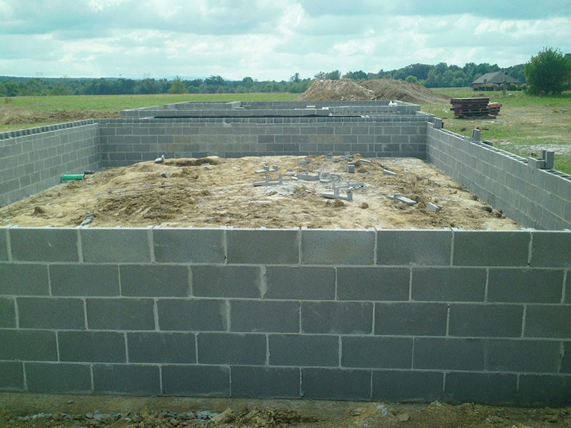 Masonry block basement and garage foundation for a new home.