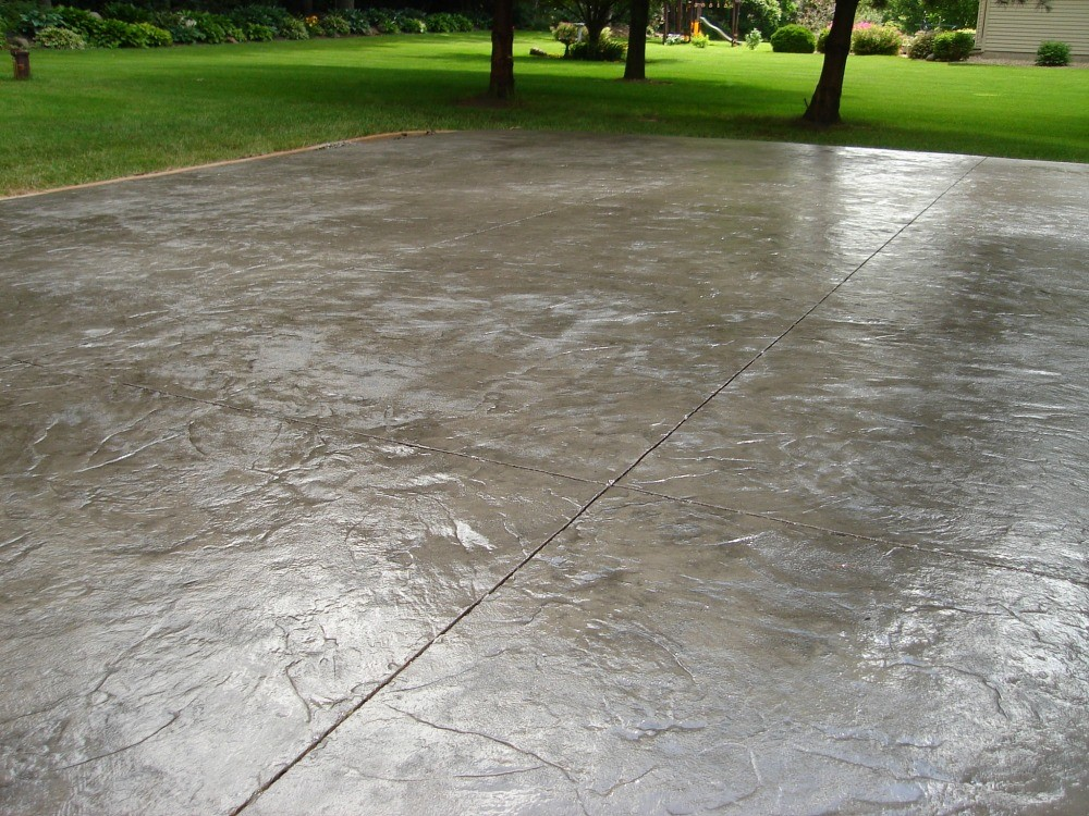 Italian Slate stamped concrete driveway.
