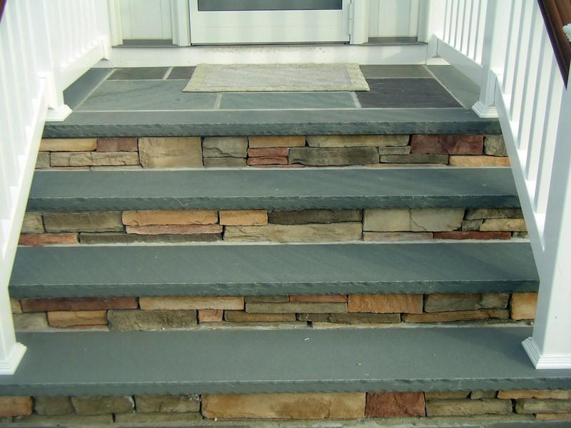 Masonry cultured stone steps.