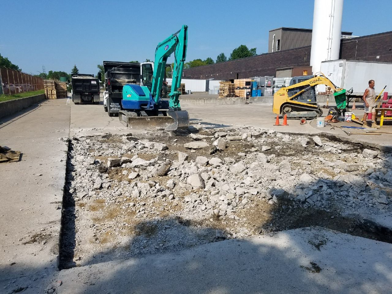 Concrete demolition for a commercial concrete repair project